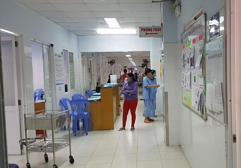Bệnh viện Từ Dũ không nhận bệnh nhân mới sau khi 16 người dương tính với cúm A/H1N1 - Ảnh 1.