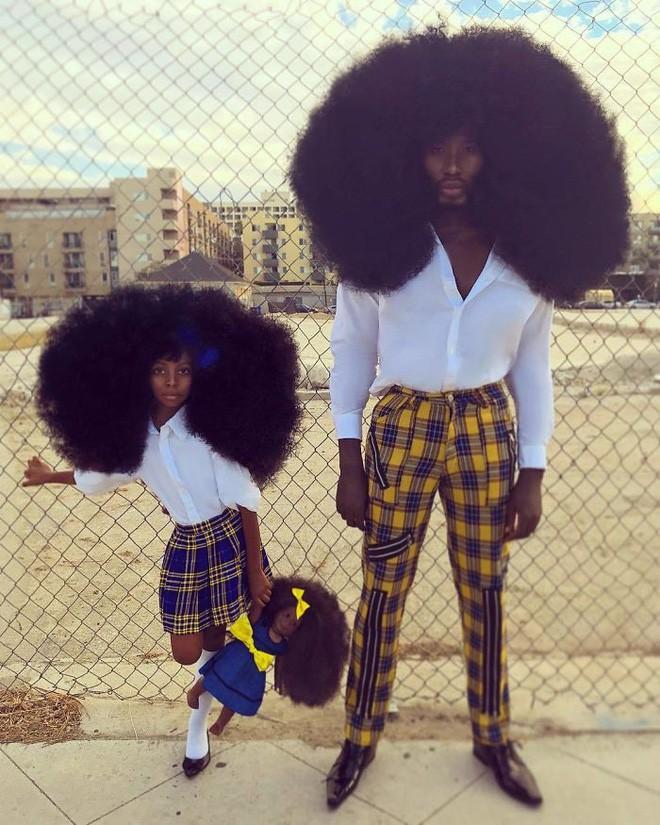 Chùm ảnh: Cặp bố con xác lập kỷ lục thế giới vì bộ tóc bông xù đầy ấn tượng và câu chuyện phía sau khiến mọi người thầm thán phục - Ảnh 18.