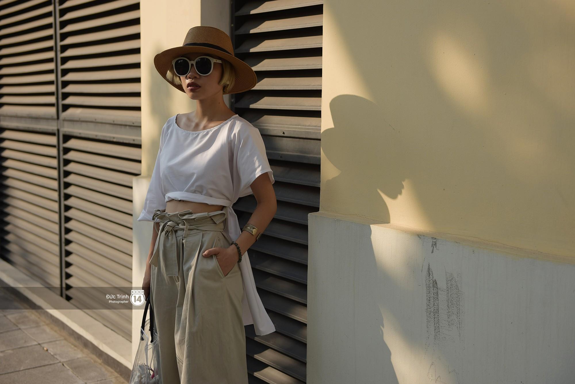 Street style 2 miền: Sài Gòn cool ngầu phá cách bao nhiêu, Hà Nội lại đơn giản nữ tính bấy nhiêu - Ảnh 14.