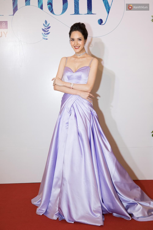 Cùng một thảm đỏ: Hoa hậu chuyển giới Hương Giang lấn át hẳn dàn Hoa hậu, Á hậu về cả thần thái lẫn độ sexy - Ảnh 5.