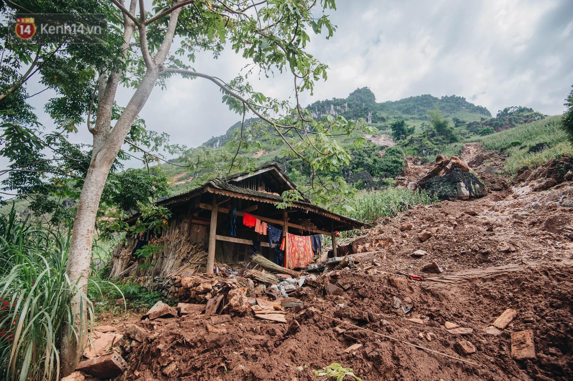 Trận lũ đau thương ở Hà Giang trong vòng 10 năm qua: Giờ đâu còn nhà nữa, mất hết, lũ cuốn trôi hết rồi... - Ảnh 3.