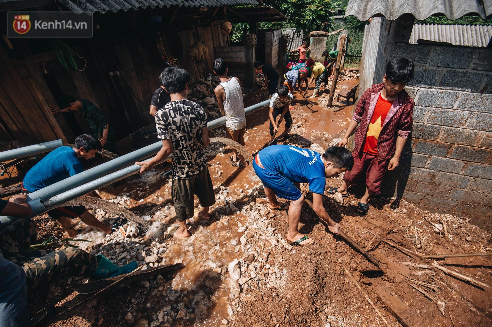Trận lũ đau thương ở Hà Giang trong vòng 10 năm qua: Giờ đâu còn nhà nữa, mất hết, lũ cuốn trôi hết rồi... - Ảnh 6.