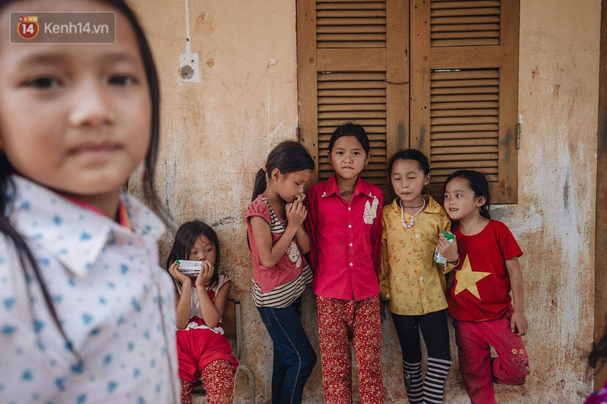 Ánh mắt kiên cường và nụ cười hồn nhiên của trẻ em Hà Giang sau trận lũ đau thương khiến 5 người chết, hàng trăm ngôi nhà đổ nát - Ảnh 6.