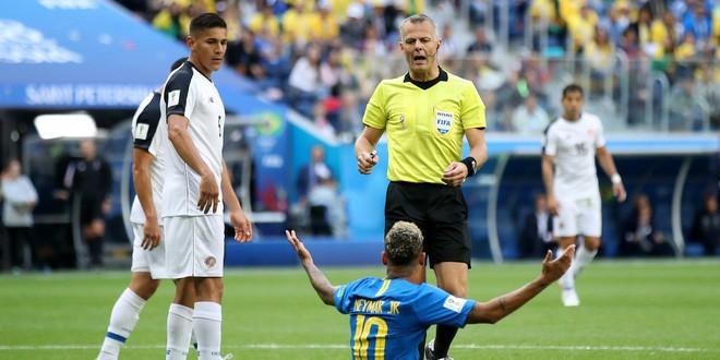 World Cup 2018: Khoa học đằng sau những pha ăn vạ trong bóng đá - Ảnh 3.
