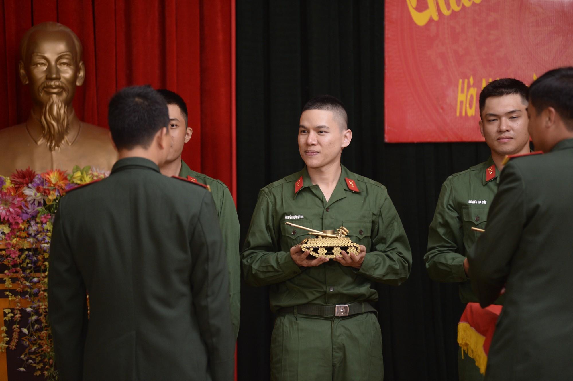 Sao nhập ngũ: Gin Tuấn Kiệt, Hoàng Tôn khiến đồng đội mất ngủ chỉ vì quên mang... vớ - Ảnh 10.