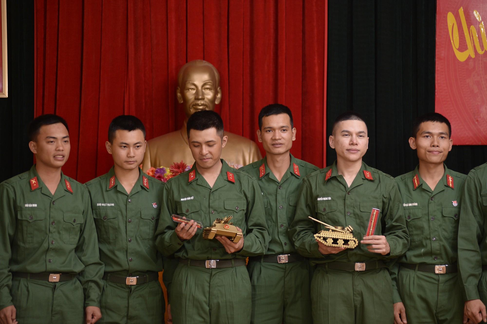 Sao nhập ngũ: Gin Tuấn Kiệt, Hoàng Tôn khiến đồng đội mất ngủ chỉ vì quên mang... vớ - Ảnh 11.