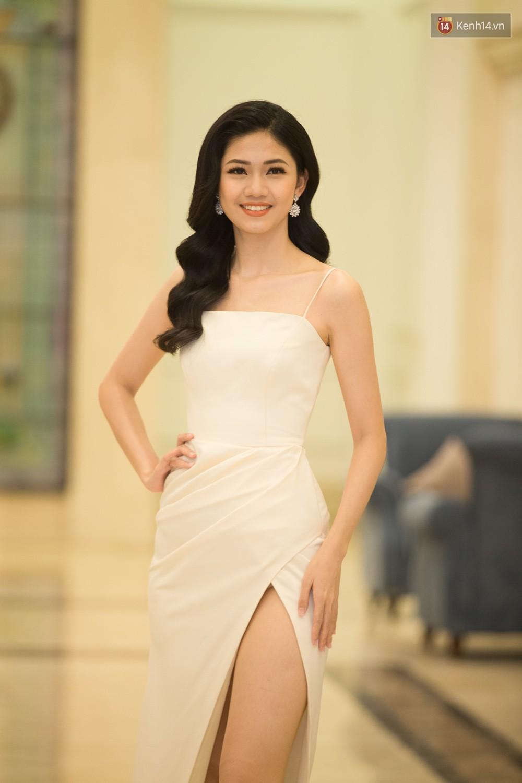 Cùng một thảm đỏ: Hoa hậu chuyển giới Hương Giang lấn át hẳn dàn Hoa hậu, Á hậu về cả thần thái lẫn độ sexy - Ảnh 6.