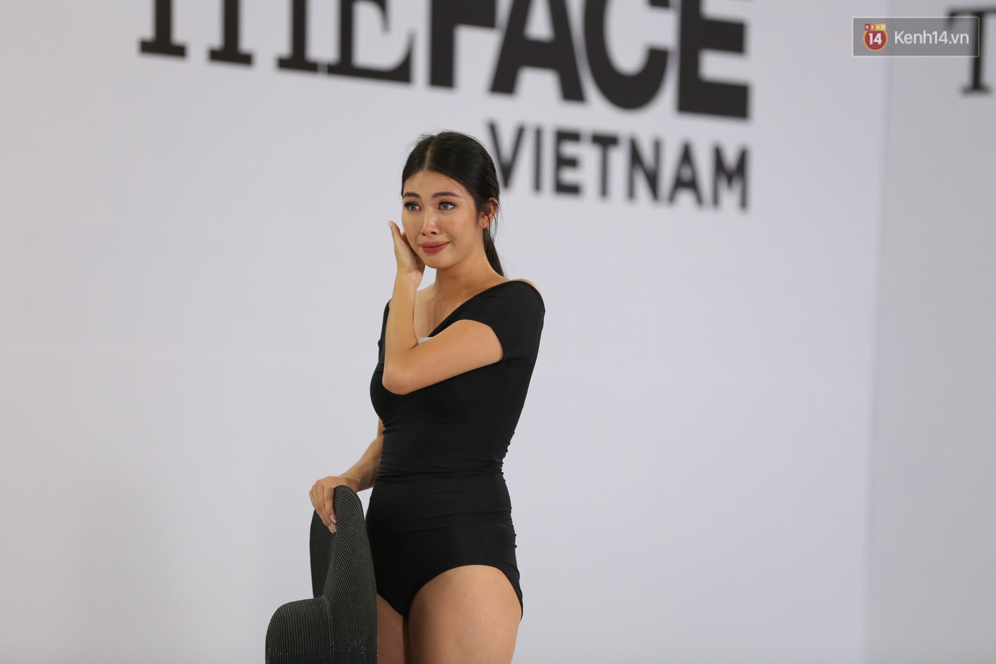 The Face thi hình thể: Trai xinh gái đẹp khoe body hấp dẫn, có thí sinh đầu tiên ngất xỉu - Ảnh 18.
