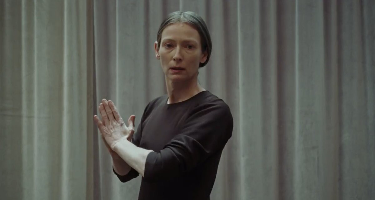 Mỹ nhân 50 Sắc Thái thẫn thờ trong vũ điệu tử thần trong phim kinh dị Suspiria - Ảnh 8.