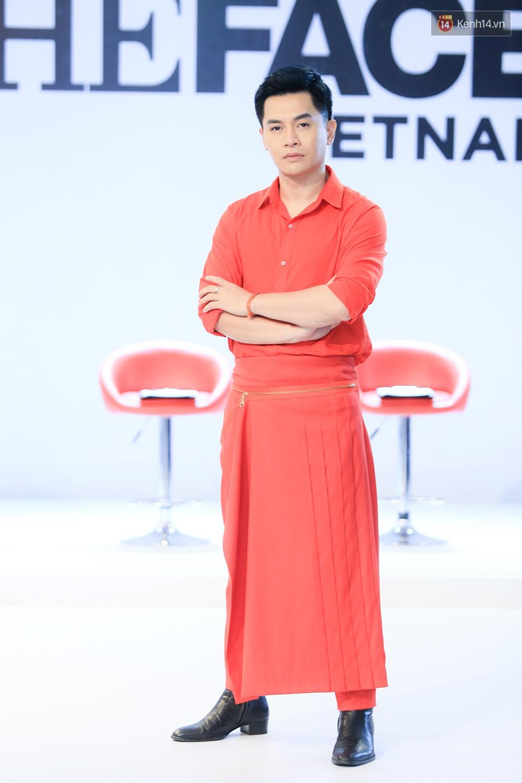 """Thanh Hằng đeo đồng hồ 2 tỷ, Võ Hoàng Yến """"ton sur ton"""" Nam Trung tại casting The Face ở Hà Nội - Ảnh 8."""