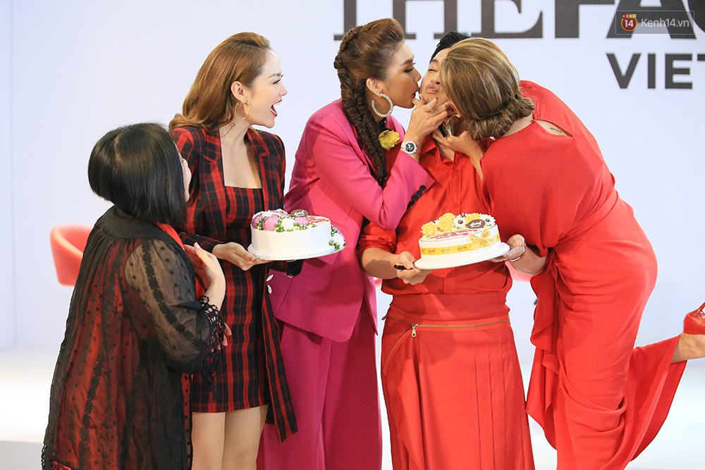 Khoảnh khắc lịch sử: Minh Hằng mừng sinh nhật cùng Võ Hoàng Yến! - Ảnh 3.