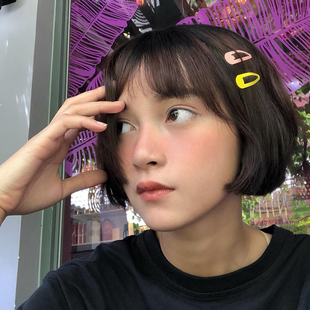 Kẹp tóc màu sắc từ thời ơ kìa bỗng hot trở lại, hot girl Hàn - Việt đều thi nhau dùng - Ảnh 3.