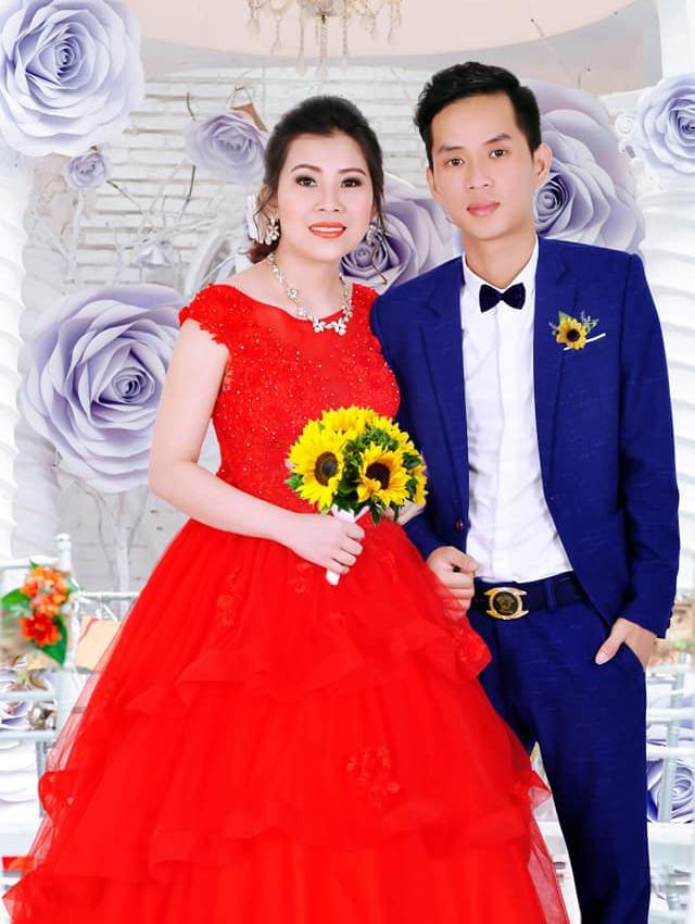 Cô dâu trẻ tuổi 20 nhắm mắt đưa mặt cho chuyên viên trang điểm, mở mắt ra bỗng hóa bà cô già U40 - Ảnh 2.