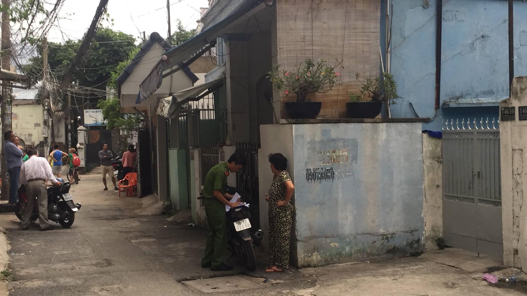 Vụ giết người chặt xác ở Sài Gòn: Nghi phạm ngủ chung với thi thể bạn gái suốt 8 tiếng - Ảnh 3.