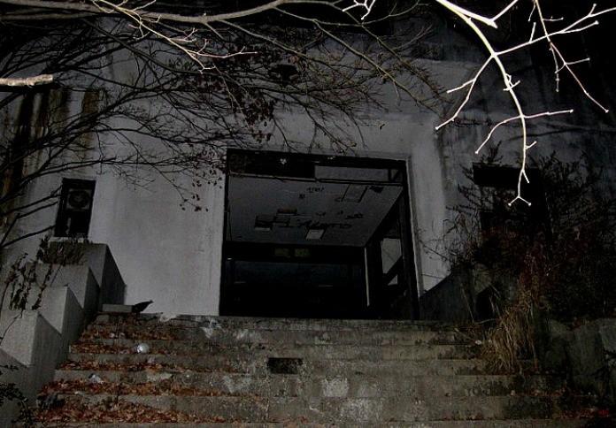 Bị buộc đóng cửa sau hàng loạt cái chết bí ẩn, bệnh viện tâm thần bị bỏ hoang 20 năm tại Hàn Quốc là một trong những nơi đáng sợ nhất thế giới - Ảnh 3.
