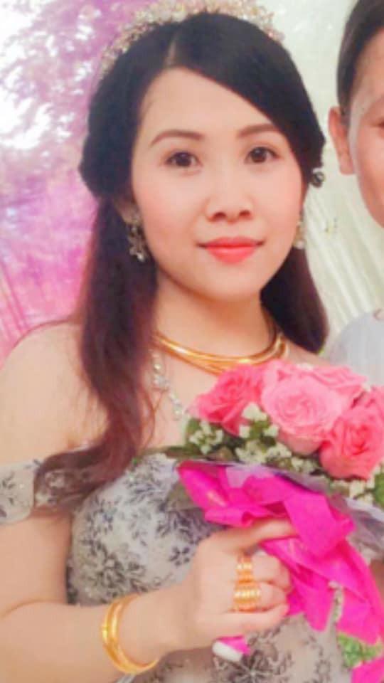 Cô dâu trẻ tuổi 20 nhắm mắt đưa mặt cho chuyên viên trang điểm, mở mắt ra bỗng hóa bà cô già U40 - Ảnh 5.