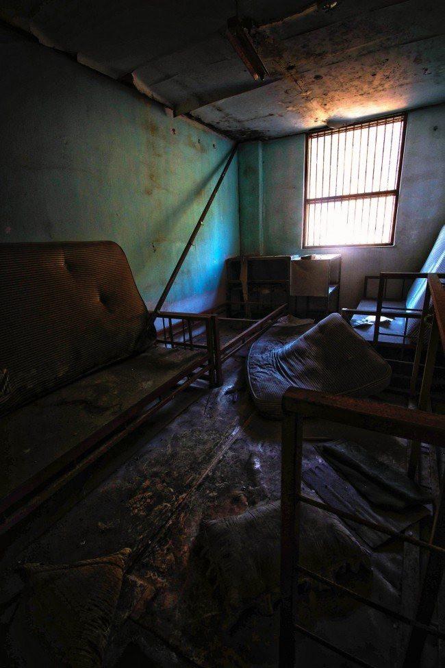 Bị buộc đóng cửa sau hàng loạt cái chết bí ẩn, bệnh viện tâm thần bị bỏ hoang 20 năm tại Hàn Quốc là một trong những nơi đáng sợ nhất thế giới - Ảnh 9.
