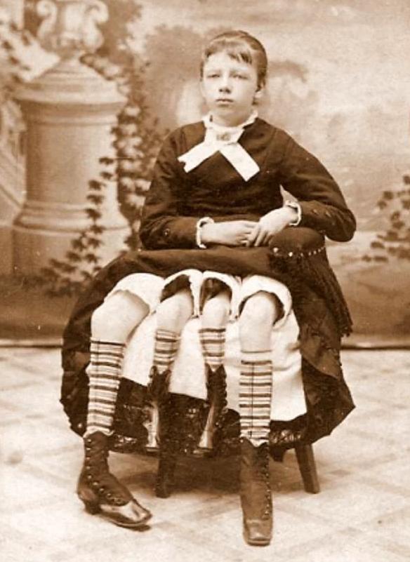 Những bức ảnh tư liệu từ thế kỷ 20, trải qua ngót 100 năm lại trở nên tà mị bất ngờ - Ảnh 7.