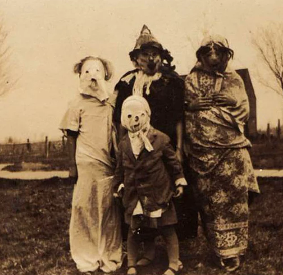 Những bức ảnh tư liệu từ thế kỷ 20, trải qua ngót 100 năm lại trở nên tà mị bất ngờ - Ảnh 13.
