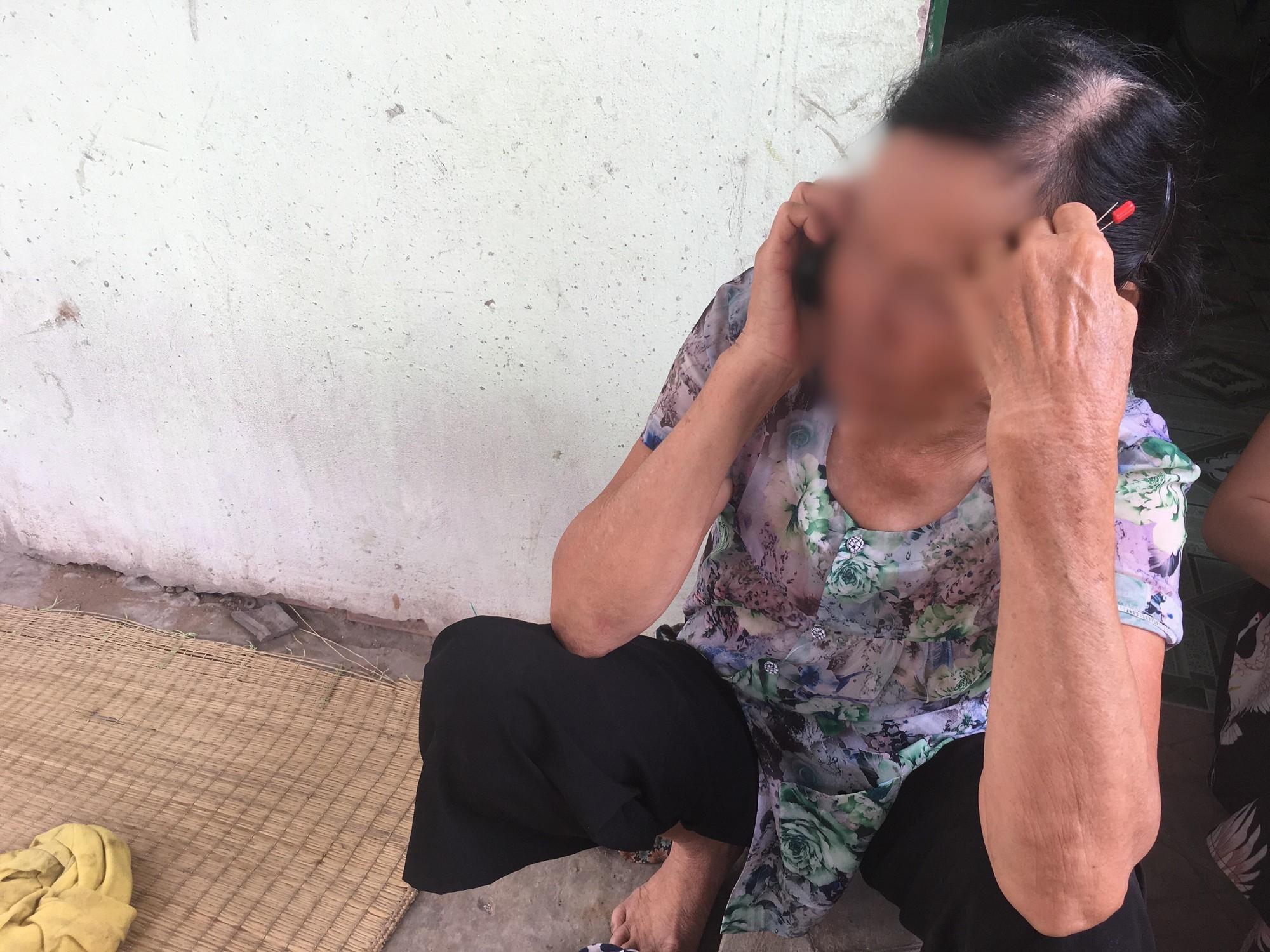 Bà nội bé gái 10 tuổi nghi bị bố ruột hiếp dâm: Con bé sợ cả nhà bị bố nó giết nên nào dám kể cho ai nghe, tội nghiệp cháu tôi quá - Ảnh 1.