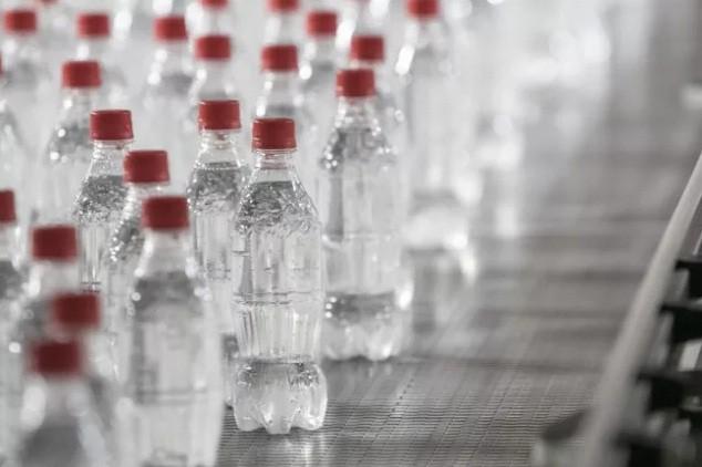 Nhật Bản xuất hiện Coca Cola trong suốt khiến giới trẻ các nước háo hức muốn thưởng thức ngay - Ảnh 3.