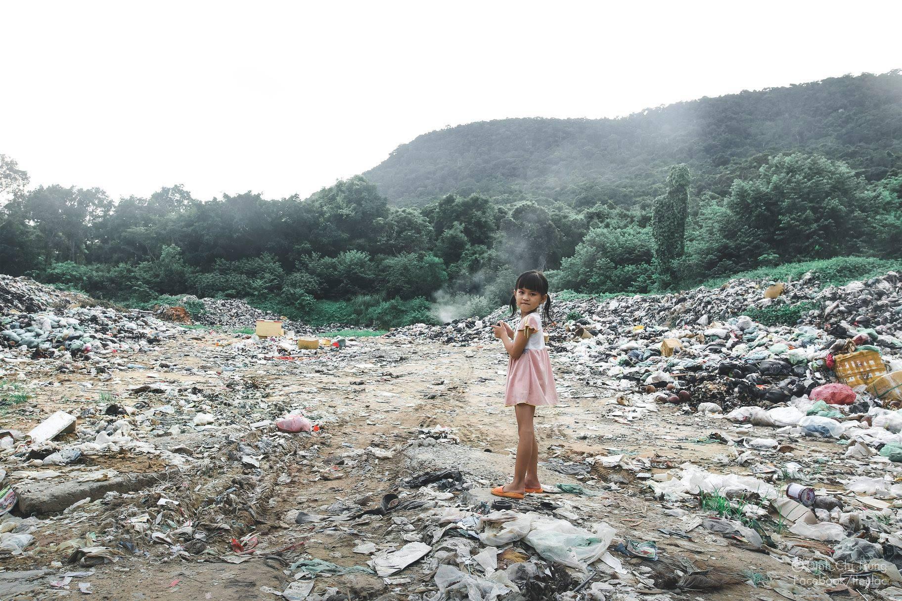 Chuyện của cô bé 9 tuổi sống ở bãi rác Phú Quốc và chàng kỹ sư nông nghiệp đi khắp đất nước kể chuyện trẻ thơ - Ảnh 1.