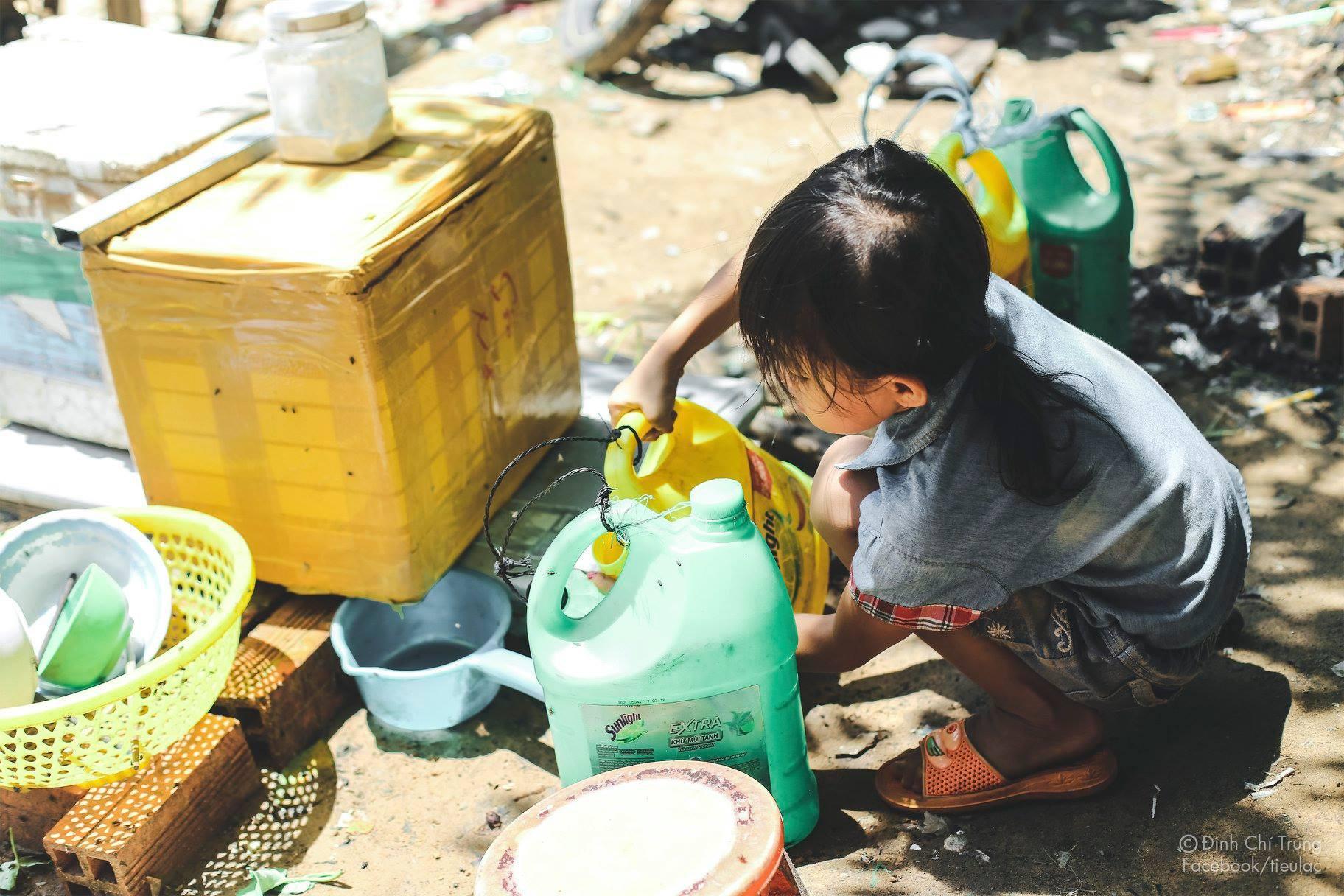Chuyện của cô bé 9 tuổi sống ở bãi rác Phú Quốc và chàng kỹ sư nông nghiệp đi khắp đất nước kể chuyện trẻ thơ - Ảnh 5.