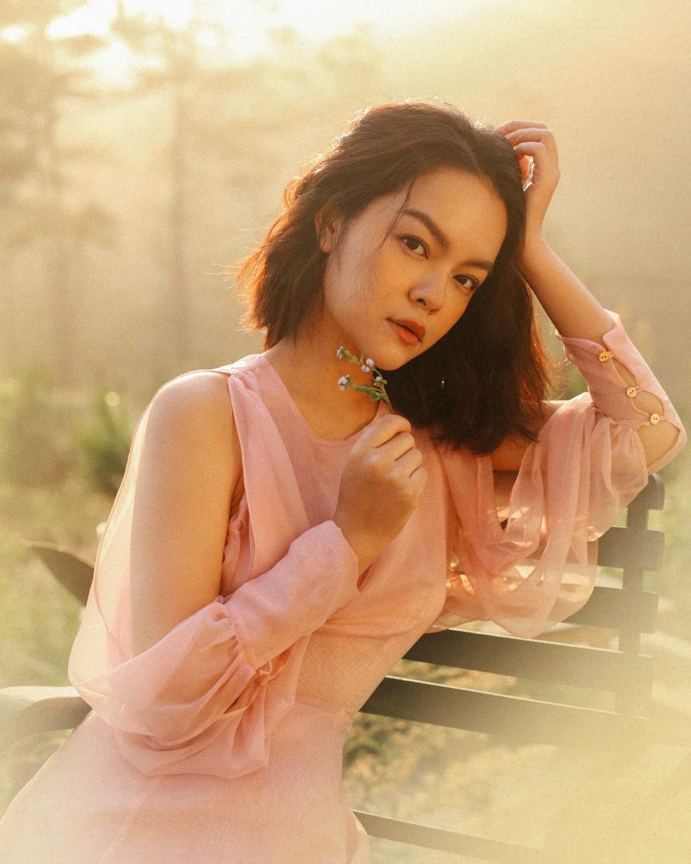 Phạm Quỳnh Anh đẹp mơ màng trong teaser MV ballad trở lại Vpop sau nhiều năm - Ảnh 2.