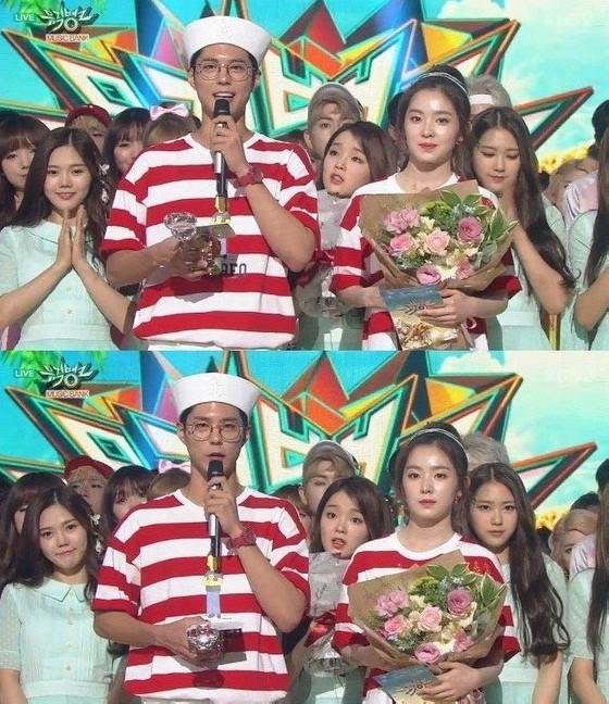 Những sự cố trên các sân khấu trao giải Kpop: Từ tưởng bản thân là người chiến thắng cho đến trao nhầm giải - Ảnh 7.