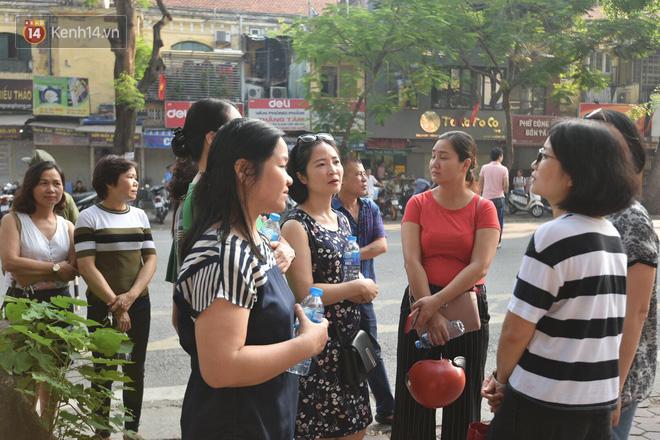 Ngày đầu thi tuyển sinh lớp 10 2018 Hà Nội: Kỳ thi khó hơn thi đại học - Ảnh 17.