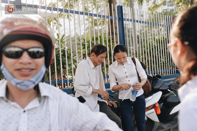 Ngày đầu thi tuyển sinh lớp 10 2018 Hà Nội: Kỳ thi khó hơn thi đại học - Ảnh 20.