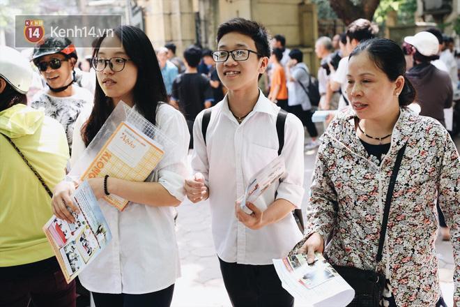 Sở GD-ĐT Hà Nội thừa nhận đề thi Ngữ văn lớp 10 rò rỉ trên mạng trong khi thí sinh đang làm bài - Ảnh 3.