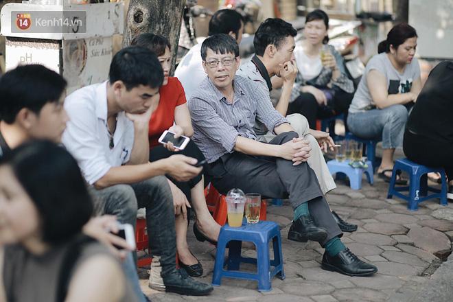 Ngày đầu thi tuyển sinh lớp 10 2018 Hà Nội: Kỳ thi khó hơn thi đại học - Ảnh 27.