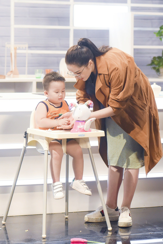 Khi đàn ông mang bầu: Hương Giang xúc động và muốn tận hưởng khoảnh khắc được gọi là mẹ - Ảnh 7.