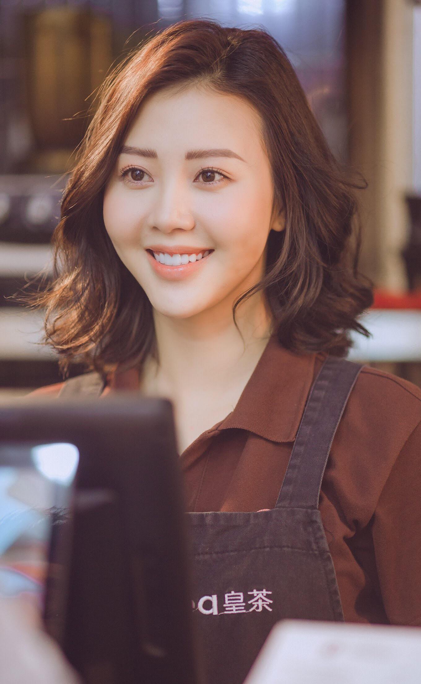 Bộ ba Hà Anh - Đinh Mạnh Ninh - Osad đã chính thức cho ra mắt MV mới mang tên Những Kẻ Dại Khờ