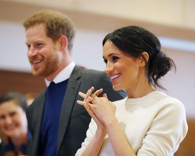 Meghan nhận ân sủng mới từ Nữ Hoàng Anh, Công nương Kate chưa từng có - Ảnh 2.