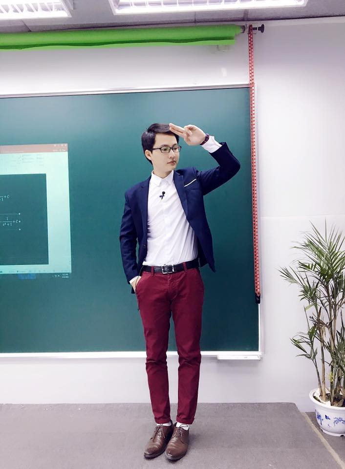 Thầy giáo Lại Tiến Minh: Đề thi lớp 10 ở Hà Nội nhàm chán, không có điểm mới lạ, xa rời thực tế - Ảnh 3.