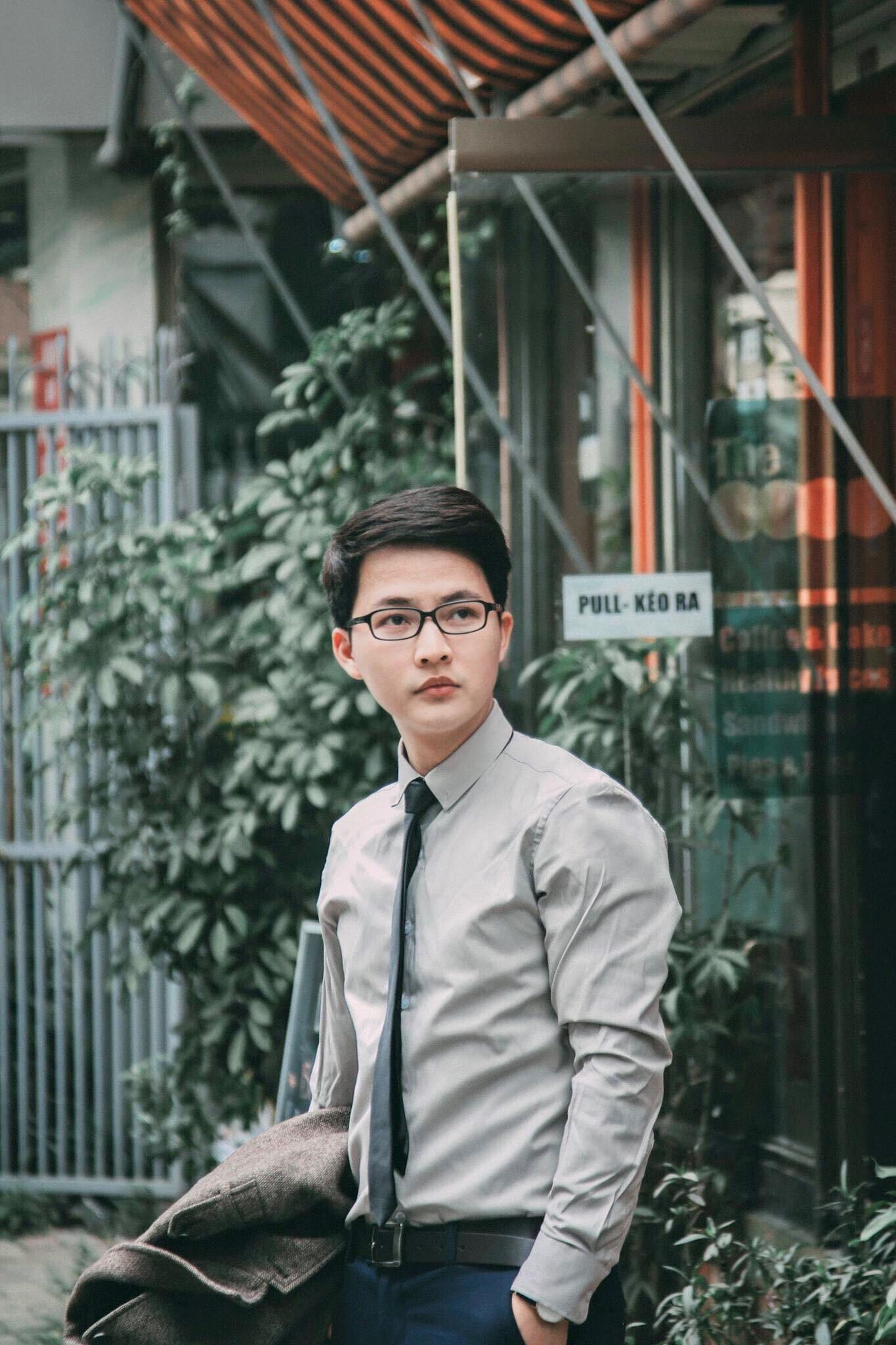 Thầy giáo Lại Tiến Minh: Đề thi lớp 10 ở Hà Nội nhàm chán, không có điểm mới lạ, xa rời thực tế - Ảnh 1.