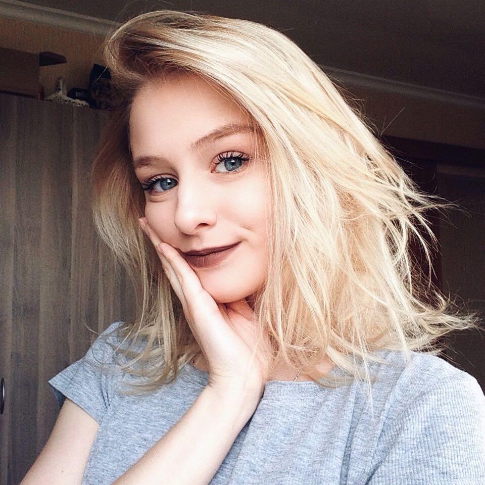 Hot girl Nga 20 tuổi đẹp như thiên thần, vừa cất giọng hát ai cũng nức nở: Người đâu hoàn hảo thế! - Ảnh 6.