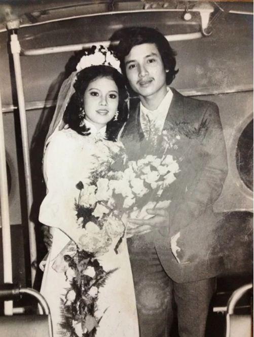 Ngắm loạt ảnh cưới những năm 80 - 90, bạn có nhận ra đây là sao Việt nào? - Ảnh 2.