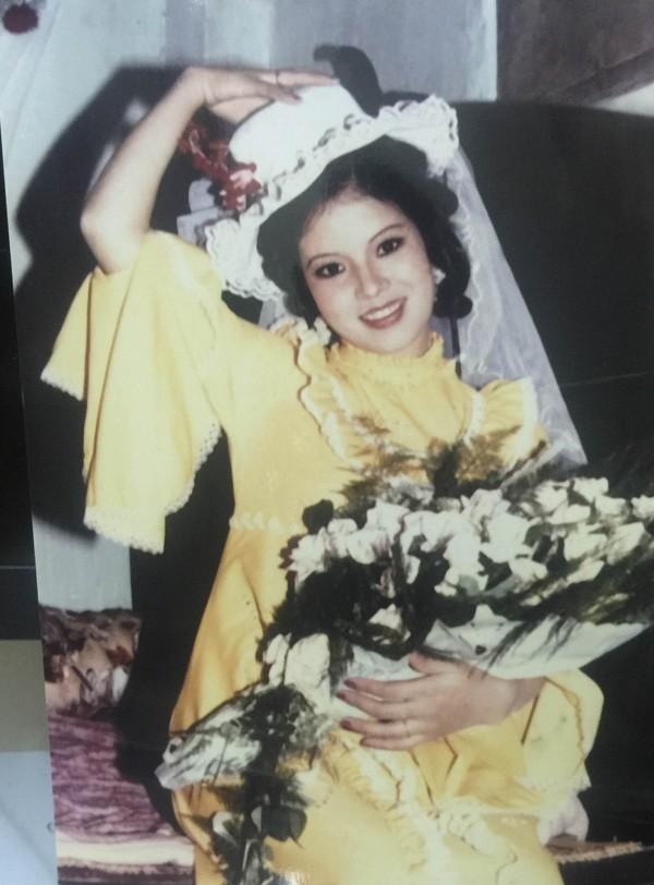 Ngắm loạt ảnh cưới những năm 80 - 90, bạn có nhận ra đây là sao Việt nào? - Ảnh 3.