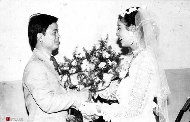 Ngắm loạt ảnh cưới những năm 80 - 90, bạn có nhận ra đây là sao Việt nào? - Ảnh 7.