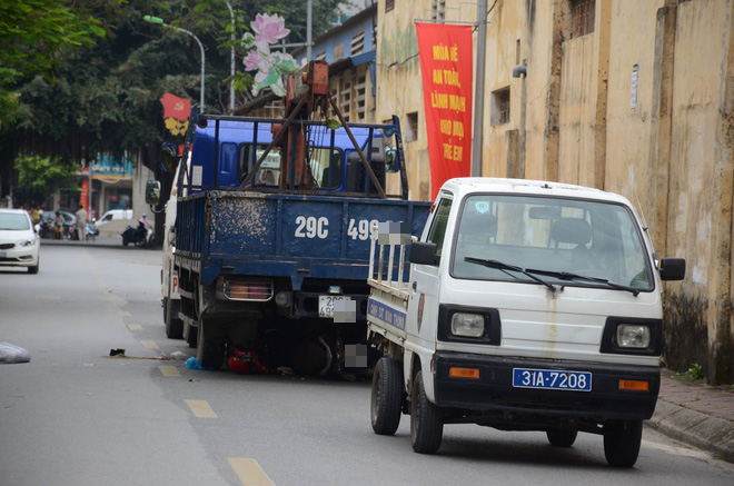 Khởi tố và bắt tạm giam tài xế lùi xe đâm chết 3 mẹ con sản phụ ở Hà Nội - Ảnh 1.