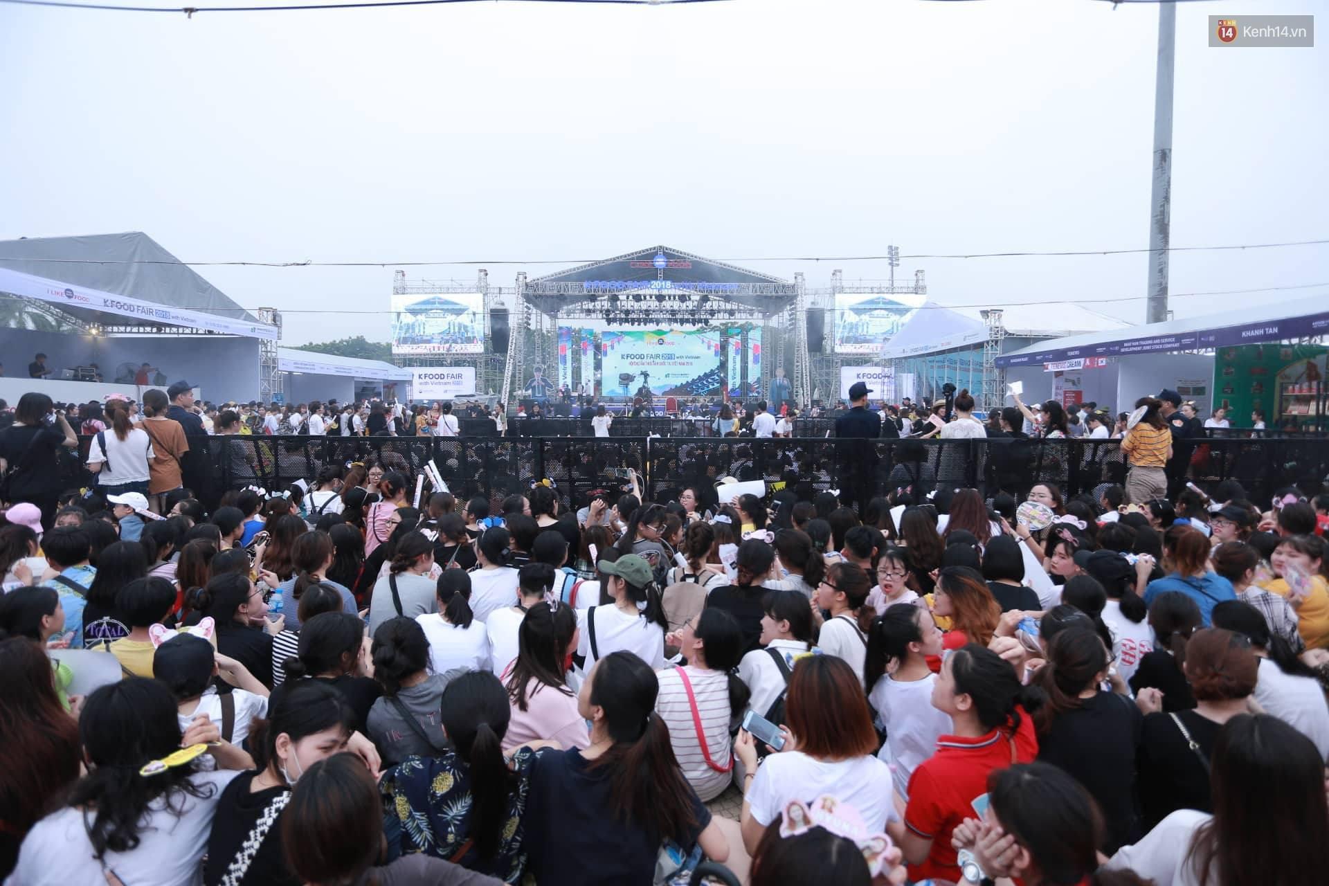 K-Food Fair 2018: Highlight bất ngờ diễn lại hit từ thời còn là B2ST, fanchant nổi da gà! - Ảnh 2.