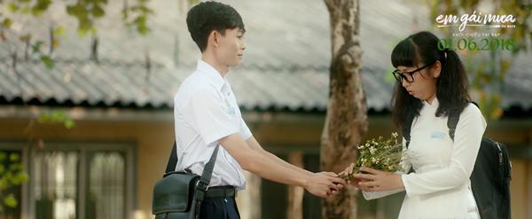 Không phải Mai Tài Phến và các vệ tinh, cặp đôi đáng yêu nhất trong Em Gái Mưa chính là Trang Hý và Hồng Thanh! - Ảnh 2.