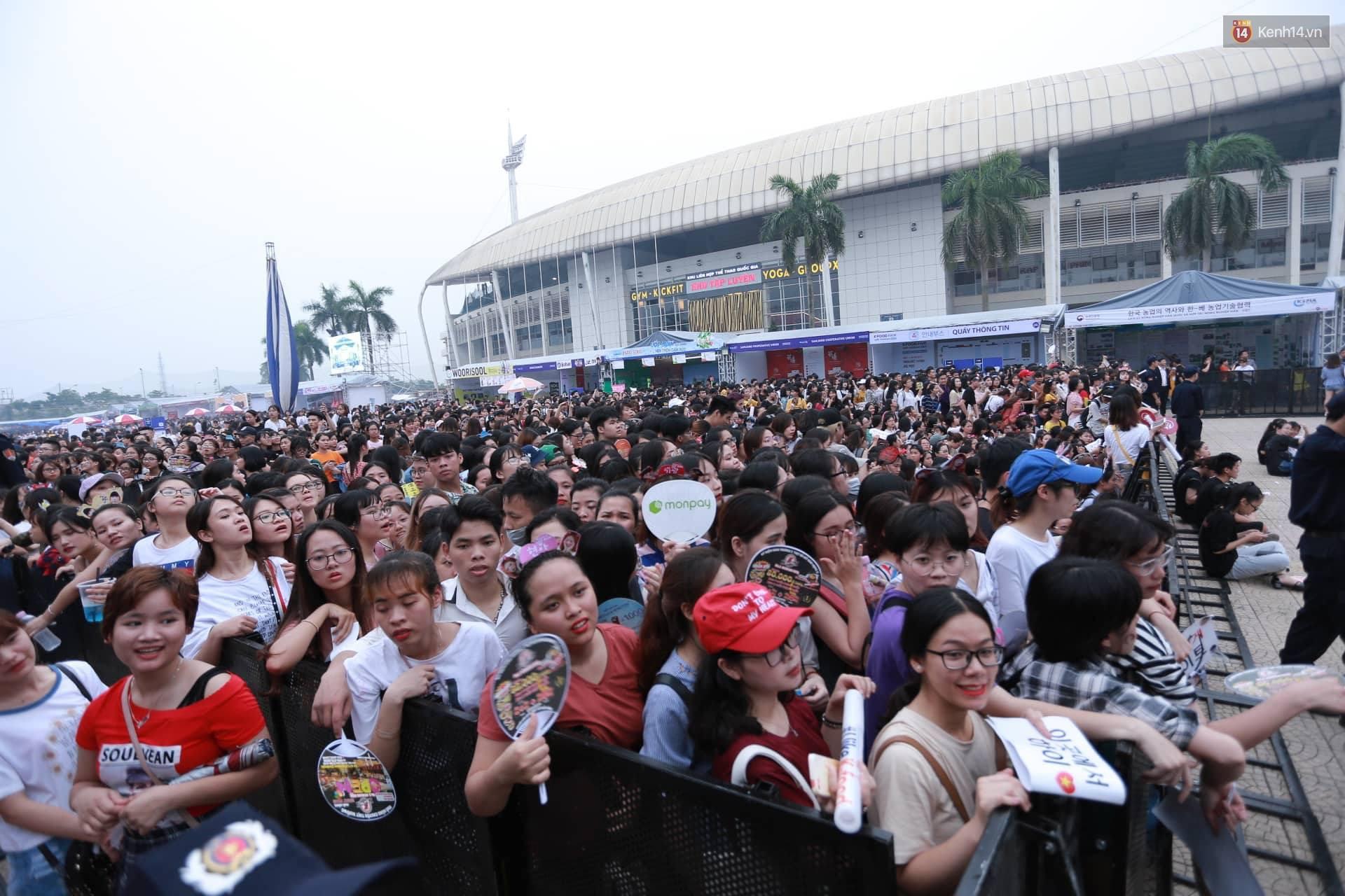 K-Food Fair 2018: Highlight bất ngờ diễn lại hit từ thời còn là B2ST, fanchant nổi da gà! - Ảnh 4.