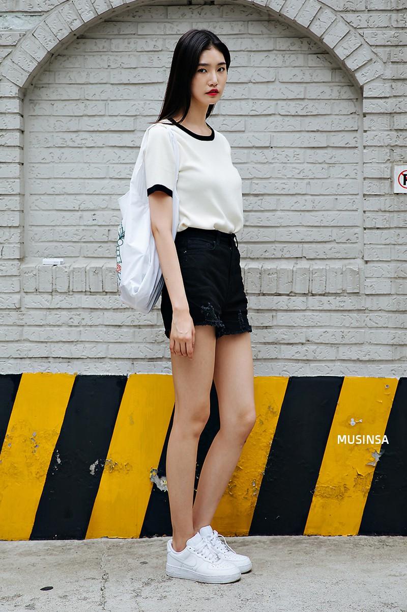 Chỉ quanh quẩn với vài công thức tầm thường mà giới trẻ Hàn vẫn gây xuýt xoa vì mặc quá đẹp - Ảnh 7.