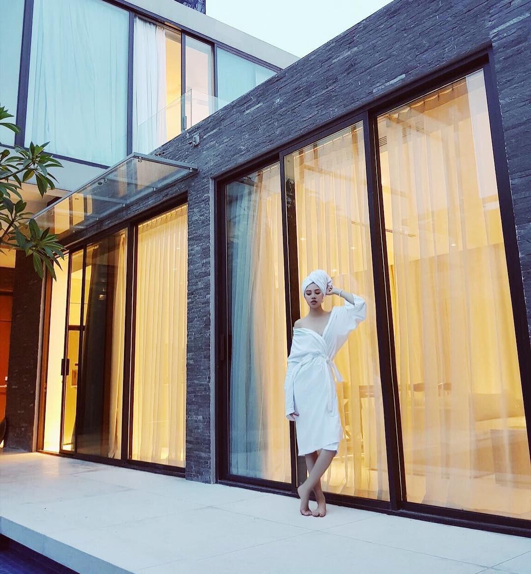 Theo chân Hội con nhà giàu Việt hưởng thụ kỳ nghỉ hè trên khắp thế giới - Ảnh 9.