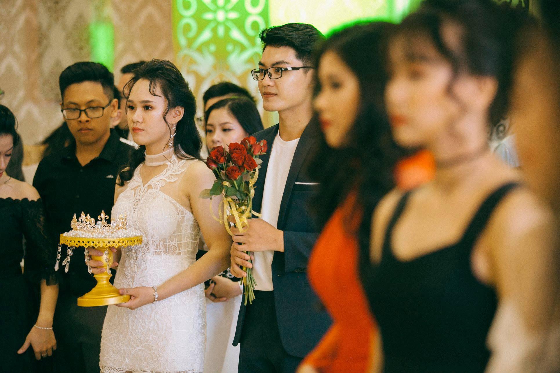 Không chỉ RMIT, trường chuyên phố núi Kon Tum cũng khiến chúng ta đã mắt với dàn trai xinh gái đẹp trong tiệc prom - Ảnh 11.
