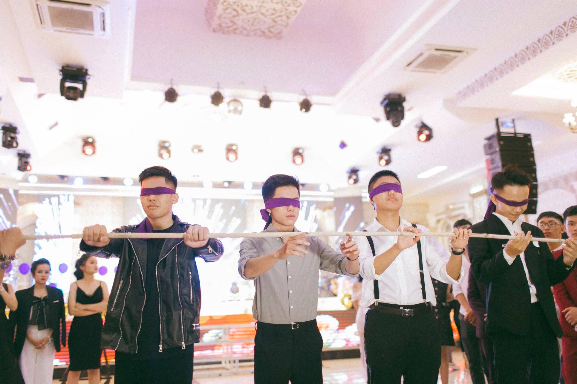 Không chỉ RMIT, trường chuyên phố núi Kon Tum cũng khiến chúng ta đã mắt với dàn trai xinh gái đẹp trong tiệc prom - Ảnh 9.
